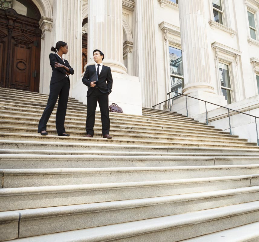 lawyers talking at the courthouse steps | Luis Guerra Personal Injury Trial Attorneys | Phoenix, Arizona