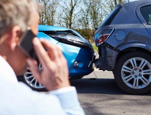 7 errores comunes que los conductores cometen después de accidentes automovilísticos